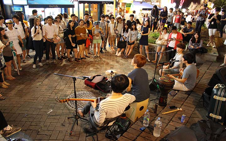 The Hongdae/Shinchon area is home to 4 major universities, so it's where fun-loving Korean youth come to play. There's a unique, vibrant and liberating energy that'll keep you going all day and night.